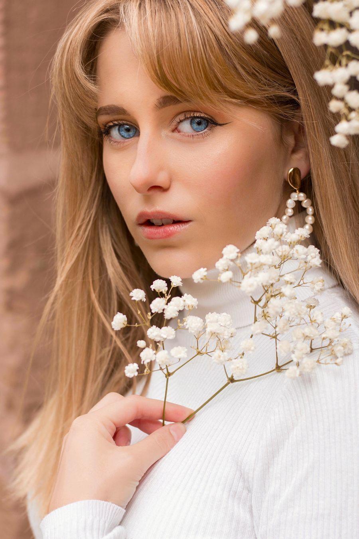 petite model Laurene Michelet